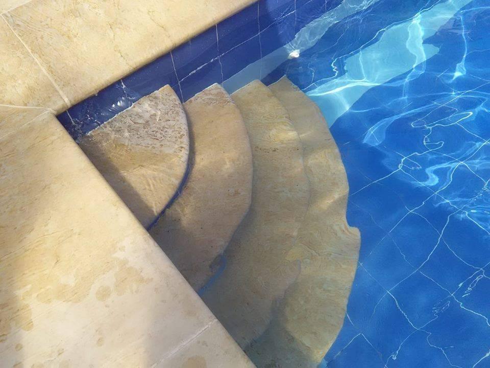 piso zona húmeda piedra muñeca colombia