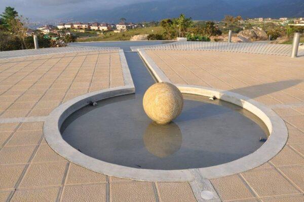 esfera en piedra
