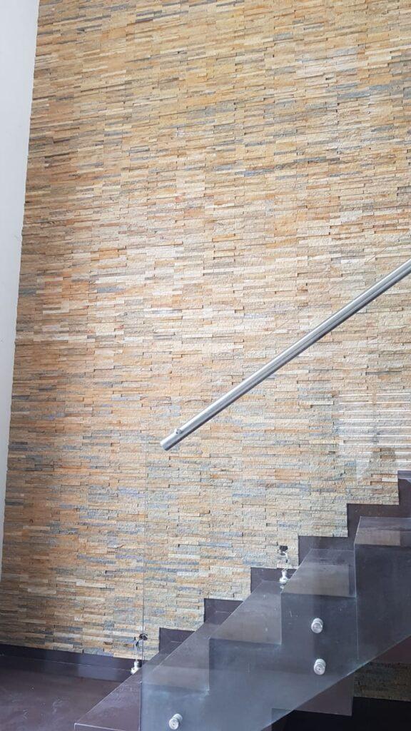paneles en piedra rústica pared