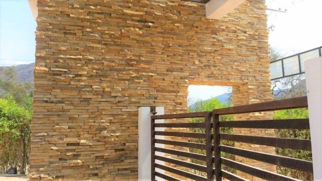 piedra apra muros exteriores