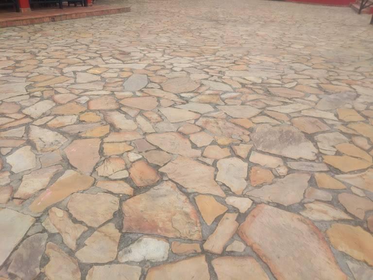 piedra laja para suelos
