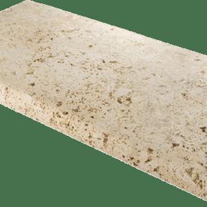borde de piscina en piedra
